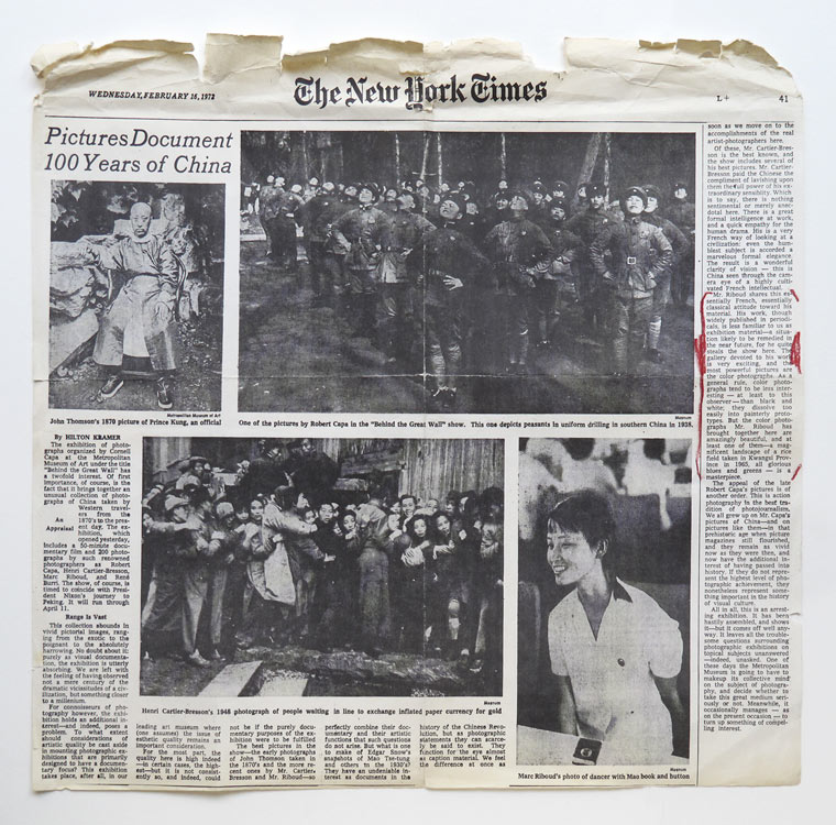 "Article du New York Times paru à l'occasion de l'exposition collective ""Behind the Great Wall of China"", organisée par le Metropolitan Museum of Art de New York en 1972"