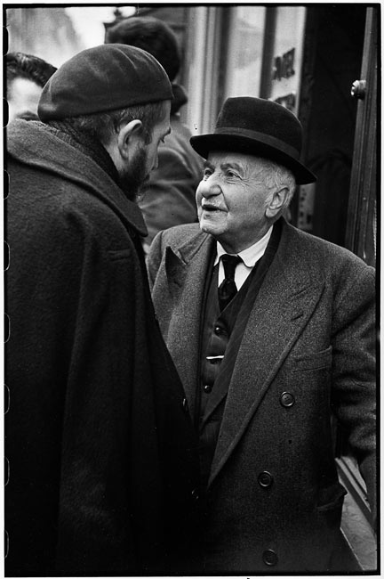 Abbé Pierre, Paris, 1954
