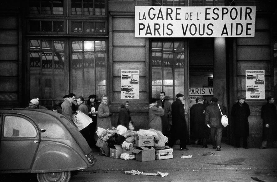 Paris, 1954