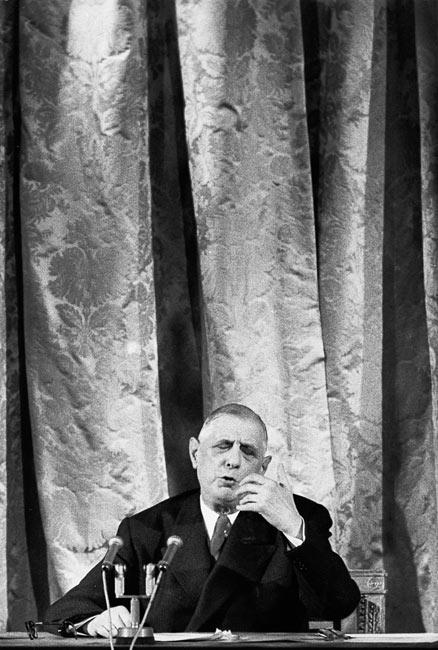 Charles de Gaulle pendant une conférence de presse, Paris, 1959