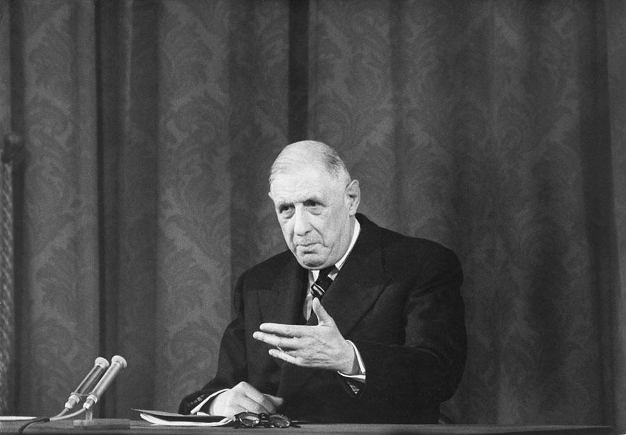 Charles de Gaulle pendant une conférence de presse, Paris, 1961