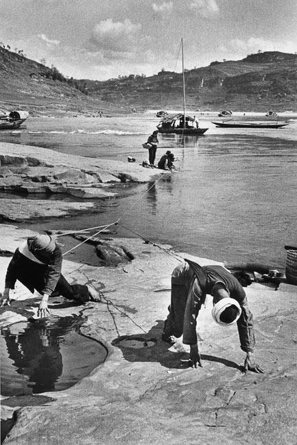 Haleurs de bateaux entre Chongqing et Lanzhou, 1957