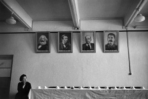 Reception room of a factory, a portrait of Mao faces the portraits of Marx, Engels, Lenin and Stalin, Beijing, 1965