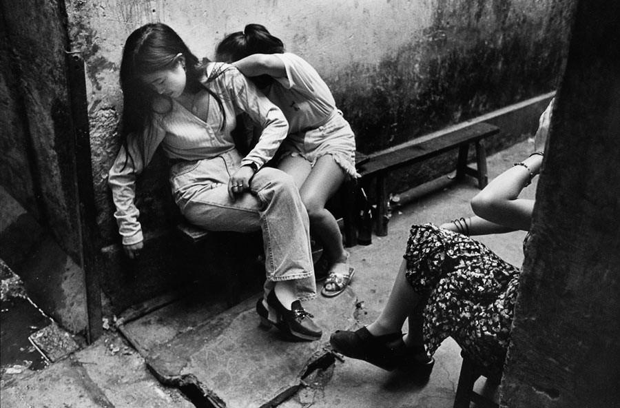 """Quartier des """"coiffeuses"""" à Shenzhen, 1993"""