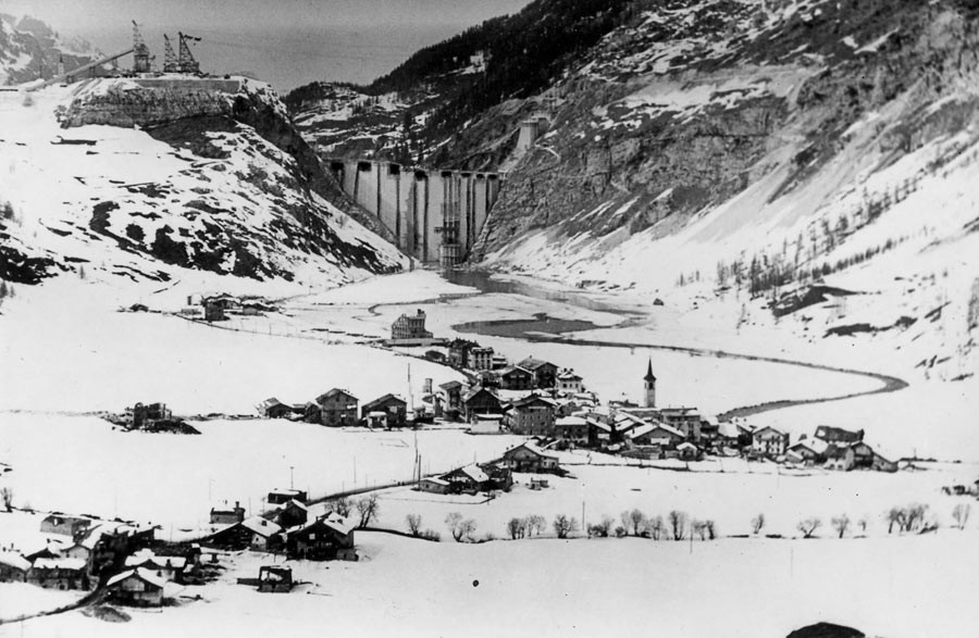 Tignes historical village before putting into service the new dam, 1952