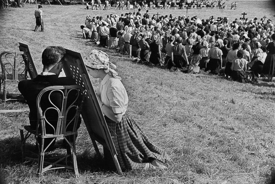Pilgrimage to Chartres, 1953