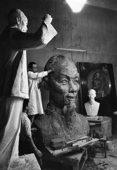 Preparation of a giant bust of Ho Chi Minh, Vietnam, 1969