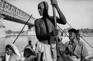 Embarcation sur le Gange, 1956