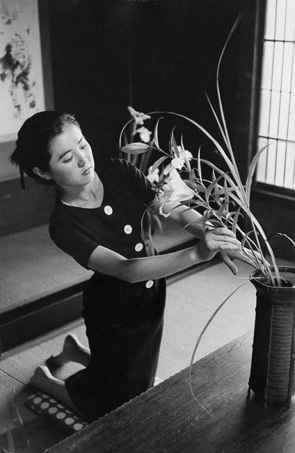 Young girl in her house, Tokyo, 1958
