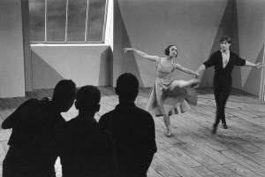"""Jean Babilée avec Xénia Palley sur le tournage du film """"Le poignard"""", 1953"""