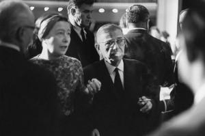 Simone de Beauvoir et Jean-Paul Sartre au Tribunal Russell, Stockholm, 1967