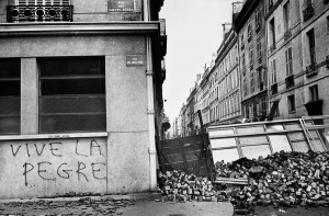 Barricade at the corner of rue des Saint-Pères.