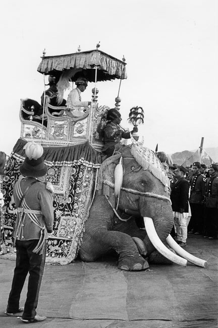 Ceremony of the coronation of the king of Nepal, Kathmandu, 1956