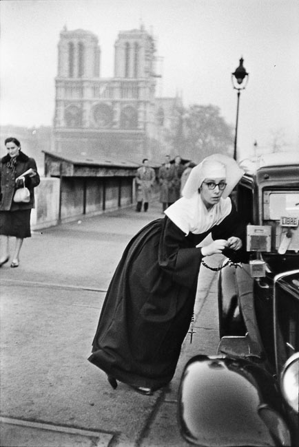 Nun in front of Notre-Dame, 1953