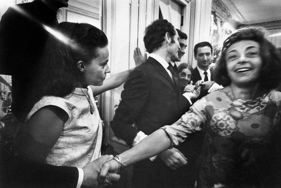 Fashion show (left: Jeanne Moreau), 1964