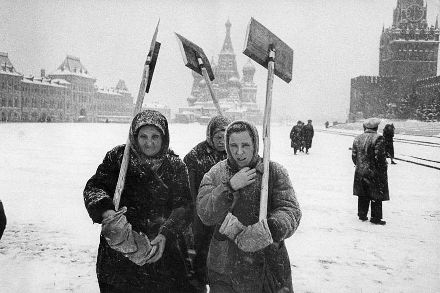 Snow storm on the Red Square, Moscow, 1960