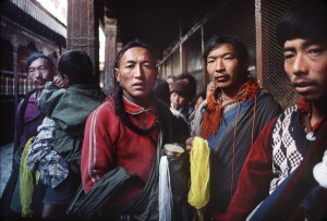 Offerings in Jokhang temple, 1985