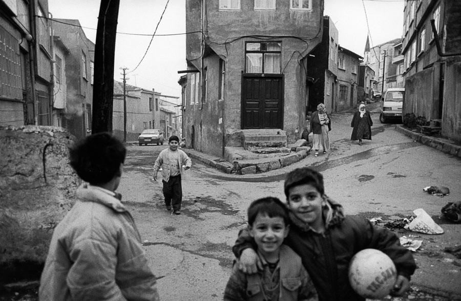 Partie de football dans les rues d'Istanbul, 1998