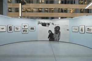 """Vue de l'exposition """"Marc Riboud, Premiers déclics"""", Le Plateau, espace d'exposition de la région Rhône-Alpes, 2014-2015 © Antoine Ligier"""