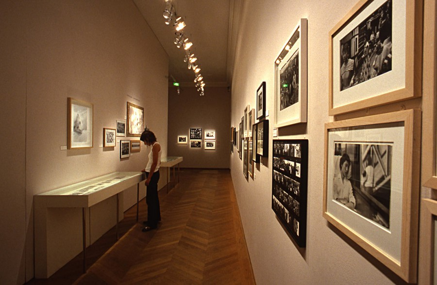 "View of the exhibition ""Marc Riboud, 50 ans de photographie"" at the Maison européenne de la Photographie (MEP), Paris, 2004 © Gaston Bergeret"